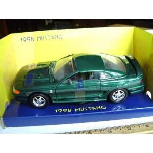 1998 Ford Mustang Cobra Hard Top 124 scale   Green Toys & Games
