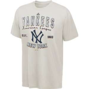 New York Yankees Youth Majestic Barney T Shirt Sports
