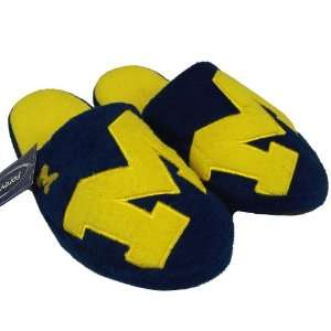 WOLVERINES OFFICIAL LOGO PLUSH SLIPPERS SIZE L