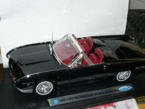 NEW 118 DIECAST FORD THUNDERBIRD SPORTS ROADSTER,